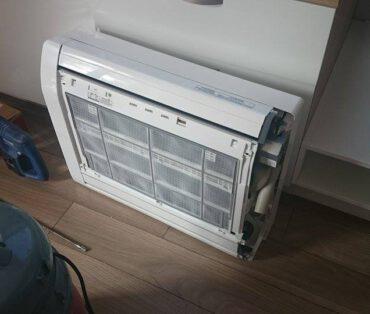 montaż klimatyzatora przypodłogowego 2